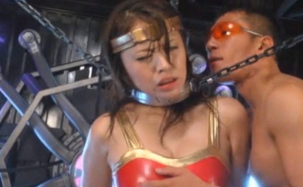 「許さない!今に見てなさい!」拘束されて美乳も美マンも犯される女ヒーロー!悔しいのにアヘ声が漏れてしまう痴態。