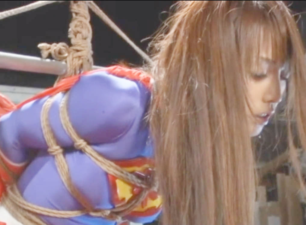 縄で縛られて身動きできない女ヒーロー☆お口マンコに肉棒を突っ込まれて口内射精の刑に