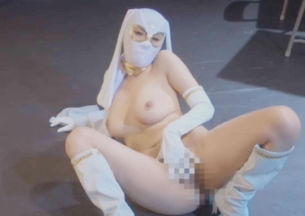 巨乳を揺らしながら正義のために戦う女ヒーロー☆ムチムチボディで敵を油断させて打ち倒す