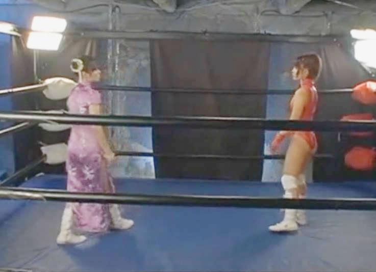 美少女と美少女の仮想世界でのリングの戦い☆プロレス勝負で勝つのはどちら?