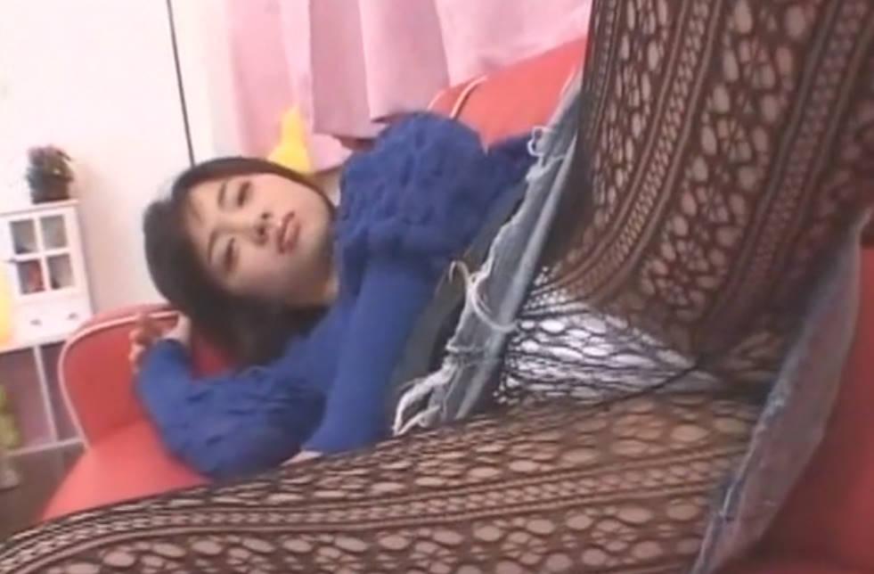 黒網タイツのお姉さんがベッドの上で大人のおもちゃでオナニー三昧☆見られてるのに気持ちよくってイっちゃうの