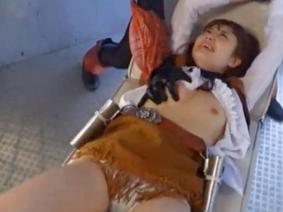 正義の美少女ヒロインが痛ぶられ徐々に弱ってきたところにデカマラをぶち込む・激ピストンに喘ぎまくる痴態
