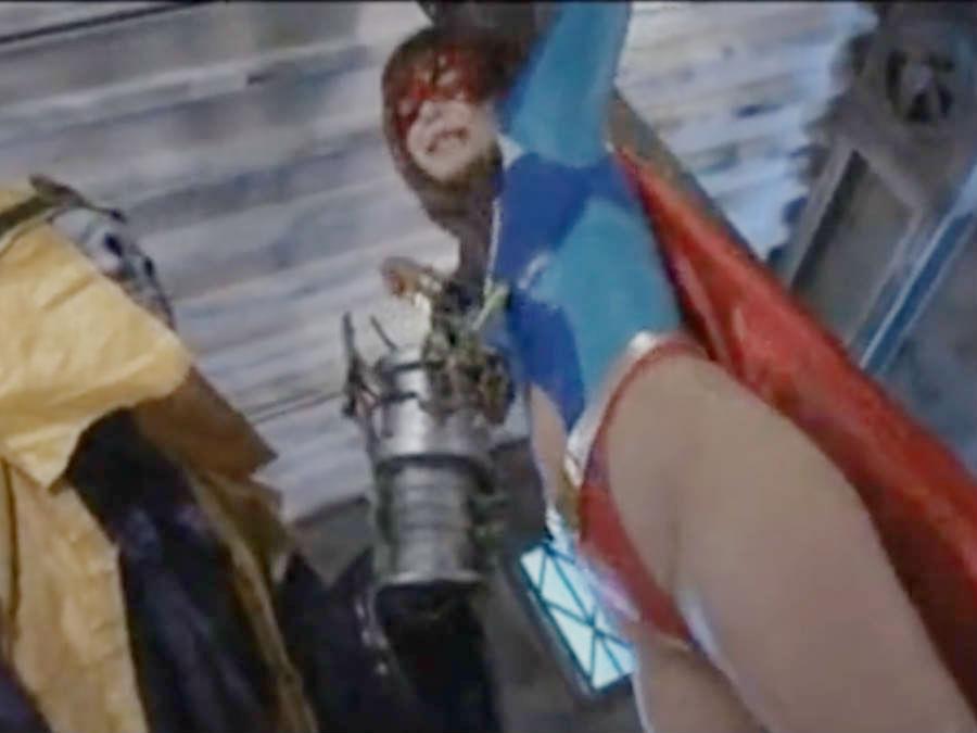 美尻の変身ヒロインがはりつけにされた状態で美ボディをまさぐられる☆苦悶の表情で耐え続ける戦士