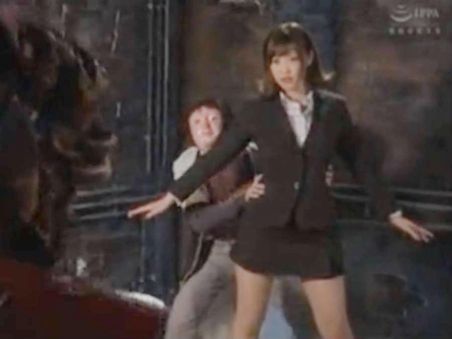 美人女教師は魔法少女だったけど、敗北して生徒の前で豊満ボディを怪人に犯されまくる