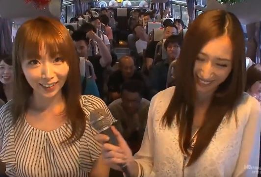 ☆パコパコバスツアー☆豪華セクシー女優達とハメハメの旅に出発!【乱交】